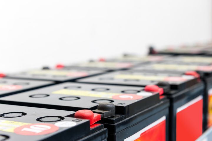Using Carbon Additives to Improve Performance of AGM Batteries