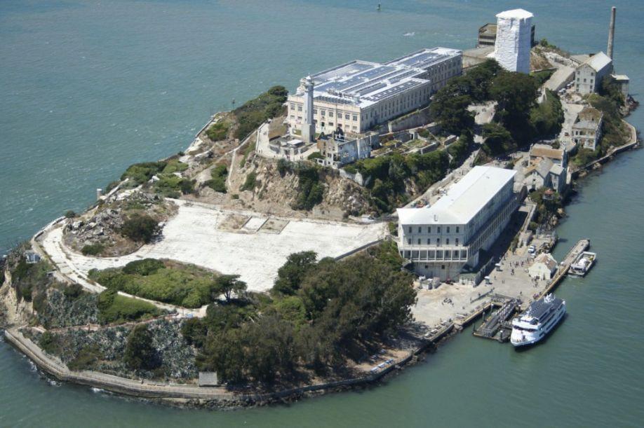 Alcatraz-Island_Hall Hays Construction