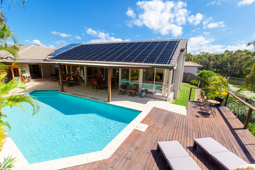Backyard-with-swimming-pool-in-stylish-home