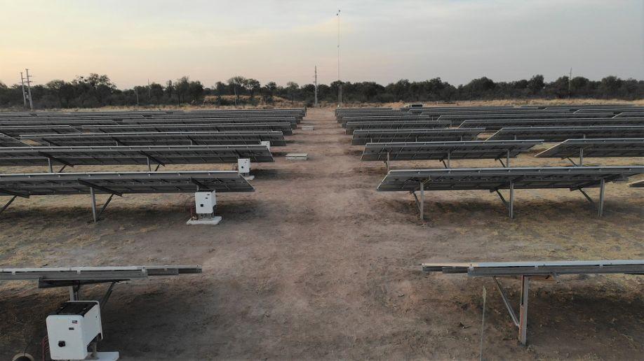 Ферма крупного рогатого скота на солнечной энергии в Аргентине